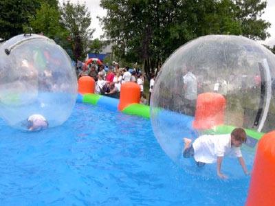 Bassin avec bulles – Marche sur l'eau
